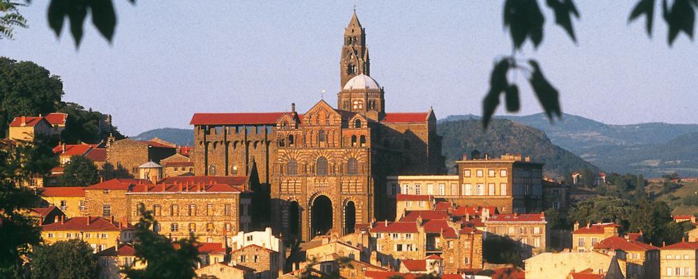Destination touristique de la semaine le puy en velay for Centre francais du commerce exterieur