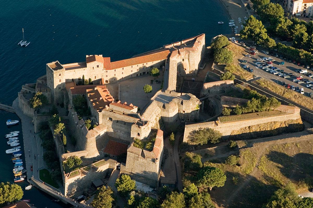 Destination touristique de la semaine collioure la france en r publique tch que - Office du tourisme de collioure ...
