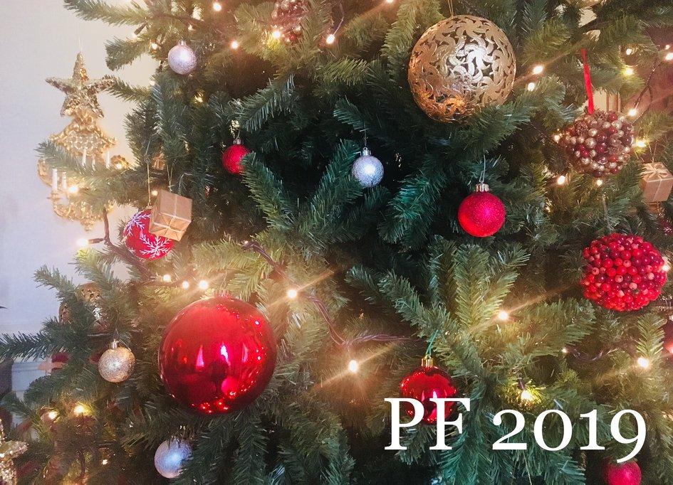 Image De Joyeux Noel 2019.Joyeux Noel Et Meilleurs Vœux Pour 2019 La France En