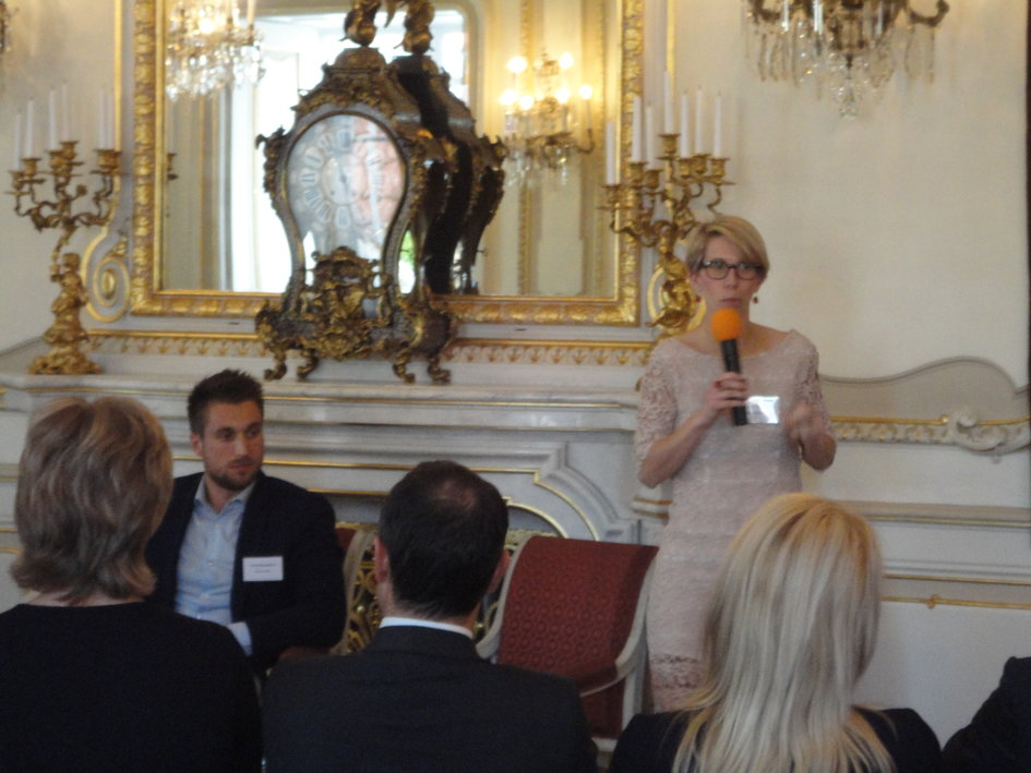 Mme Elodie Morin-Rager, Adjointe Business France Prague. - JPEG